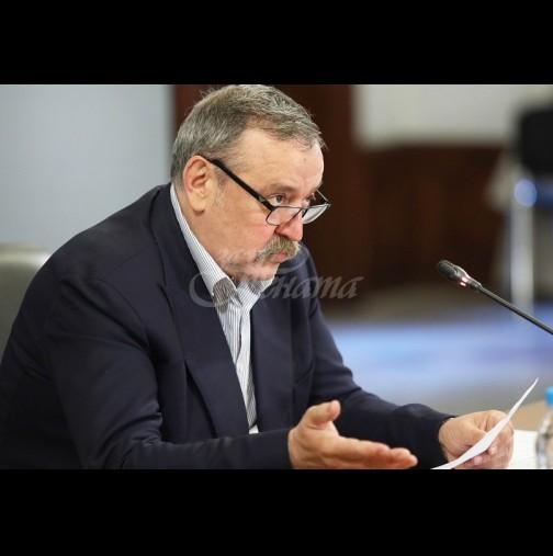 Проф.Кантарджиев най-сетне каза добрата новина и зарадва всички за празниците: