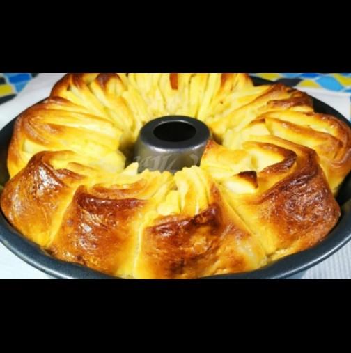 Царска ябълкова пита - пухкаво тесто, сочен пълнеж и божествен аромат! Отдавна свърши, а още си облизваме пръстите!