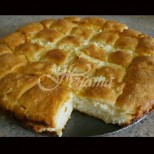 Месена баница със сирене - то не бе пухкаво тесто, то не бе вкусна плънка! Тъпчеш се без да спираш: