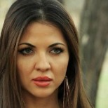 Райна развърза змийски език и изплю люти закани (Снимки):