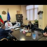 Ето какво решиха преди минути на срещата Вълчев и Ангелов-Ще пускат ли големите ученици присъствено