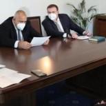 Спешно съвещание при премиера за ново разхлабване на мерките - ето кое кога ще заработи: