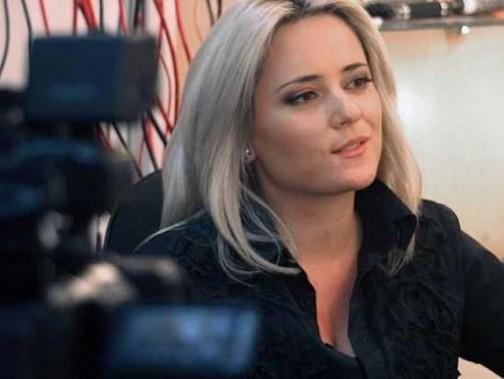 Лора Крумова се предаде - окончателно загуби битката с килограмите (Снимки):