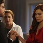 Днес в Безмилостен град-Шениз предизвиква Дженк да я бутне, Джемре отива при Дженк и приема да се омъжи