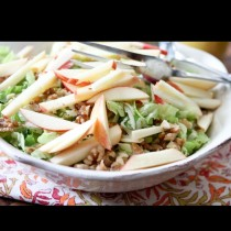 Заменяш вечерята с тази свежа салатка и килограмите сами тръгват надолу: