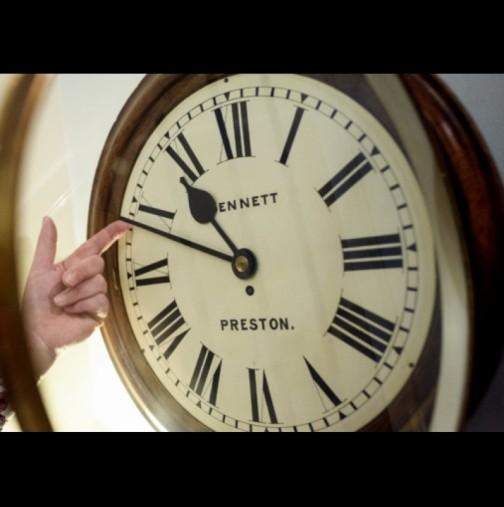 Тази нощ сменяме времето - не забравяйте да преместите стрелките на часовника: