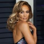 Отново на върха: Дженифър Лопес оглави класацията за най-красивите знаменитости над 40-те. Ето останалите (Снимки):