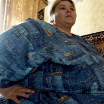 Жената, която се отърва от повече от 100 кг и изглежда по нов начин днес-Снимки