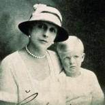 Тежкото детство на принц Филип-Изнесен в щайга за портокали от страната, с болна майка