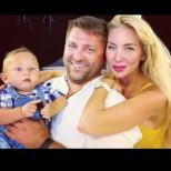 Антония Петрова с блестяща визия на кръщенето на сина си - вижте и сладкия костюмиран Благовест (Снимки):