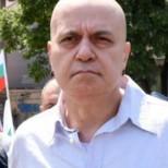 Приятел от детството на Слави сподели защо толкова малко хора са гласували за него в родното му място