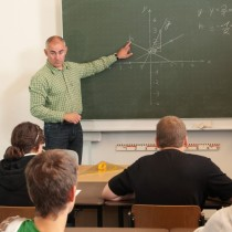 Ето кои ученици ще учат дистанционно през месец май: