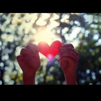 Любовни предсказания за 10 април: БЛИЗНАЦИ - любовно пътуване; ЛЪВ - красиво събитие става реалност