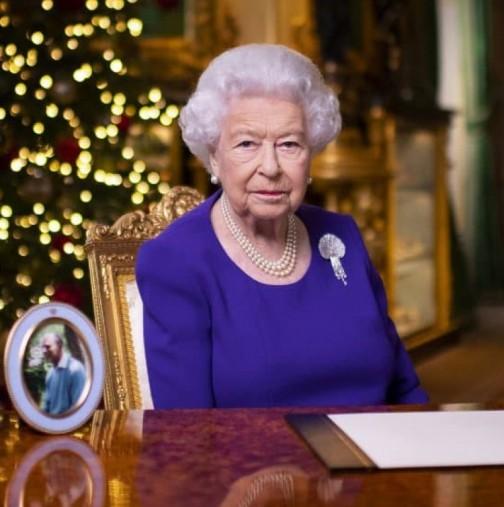 Едва изпратила съпруга си, нова мъка за кралицата-Претърпя още една загуба