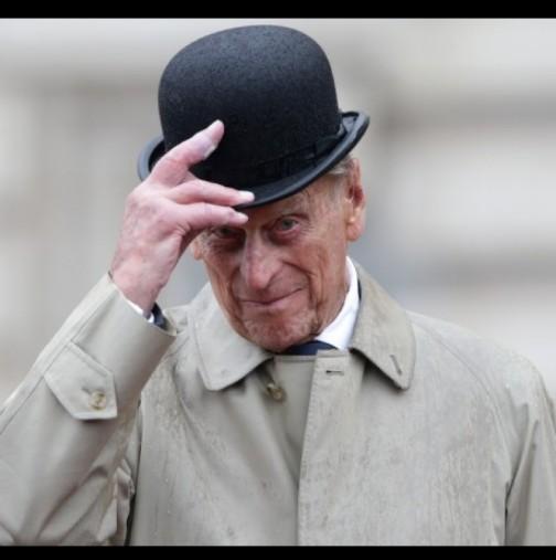 Тези мили снимки на покойния принц Филип с всичките му правнуци трогнаха света (Снимки):