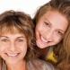 Вижте след колко години дъщерите започват да приличат на майките си!
