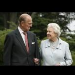 Кралица Елизабет се появи за първи път след смъртта на принц Филип - ето как изглежда Нейно Величество (Снимки):