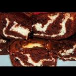 Ронлив и мек като памук - шарен кекс от два вида тесто, влудяващо вкусен и сочен!