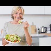 5 продукта-табу по време на менопаузата - само ще засилят симптомите: