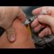 Почина първият ваксиниран срещу COVID-19 мъж (Снимки):