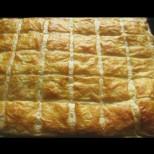 Баница без кори - изсипваш плънката, покриваш с тестото и готово! Златна коричка и сочен вкус: