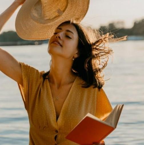 Сандалите, които подлудиха всички стилни и практични дами това лято (снимки)