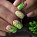 20 цветни маникюри с цветя и пеперуди за лято 2021 (снимки)