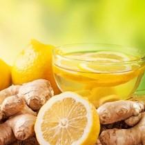 Домашната лимонова напитка, която мощно топи коремните мазнини, хем и ще ви разхлади