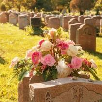 Пет грешки, които НЕ бива да правите, когато посещавате гробовете на близки!