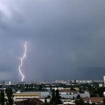 Актуална прогноза за времето през първите три дни на следващата седмица-Продължават ли бурите?