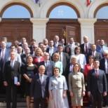 Модно дефиле в Народното събрание! Ето най-красивите депутатки + кой се появи с чанта за 4 бона (Снимки):
