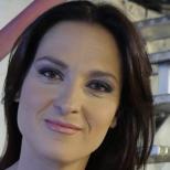 Трудно бихте могли да разпознаете Ани Цолова, която се появи изненадващо в ефир-Снимка