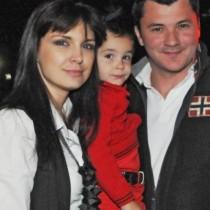 Ето го порасналия син на Жени Калканджиева и Тачо - истински красавец! (Снимка):