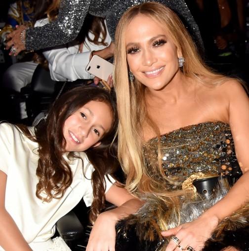 Дъщерята на Дженифър Лопес съсипана от обидни коментари заради външния си вид (Снимки):