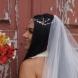 Булка се появи на сватбата си с рокля, която изцяло открива задните ѝ части-Снимка