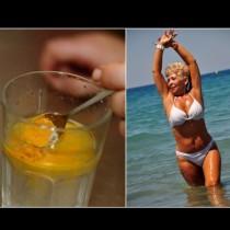 ЗЛАТНАТА напитка за жени над 50 - за черен дроб като часовник и като щит от рака: