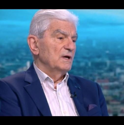 Имунологът акад. Петрунов за Делта-варианта: Тревожно е, че е безсимптомен, страшно - че пеленачета почиват!