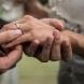 24-годишен предложи брак на 61-годишната си приятелка-Снимки