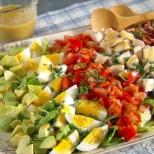 7 вкусни рецепти за салата- обилна и лека вечеря, друго не ти трябва