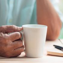 Ето коя напитка намалява с 86 % риска от деменция!