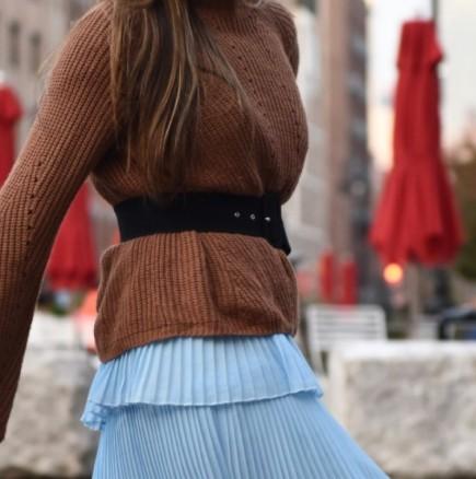 Как да продължим да носим летните дрехи и през по-студените месеци