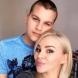 Синът на Деси Слава ѝ доведе снаха с безкрайно дълги крака - вижте сладката двойка (Снимки):