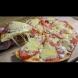 Само 6 супени лъжици брашно и заквасена сметана - върховна пица на тиган за 10 минути! Ще се облизвате пак и пак: