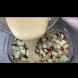 Петминутен ябълков пирог - нахвърлям ябълките в тавата, заливам с тесто и заухава божествено!