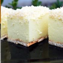 Снежна бисквитена торта- зимата само това ме спасява от депресията, след нея думите свършват и започва блаженството