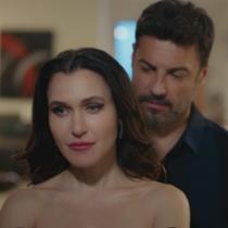 В Опасно изкушение до петък-Ендер заплашва Кемал, че ако напусне, ще издаде, че е бивш съпруг на Йълдъз
