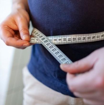 Мъж успя да стопи 100 кг за година и половина и разкри как го е постигнал-Снимки
