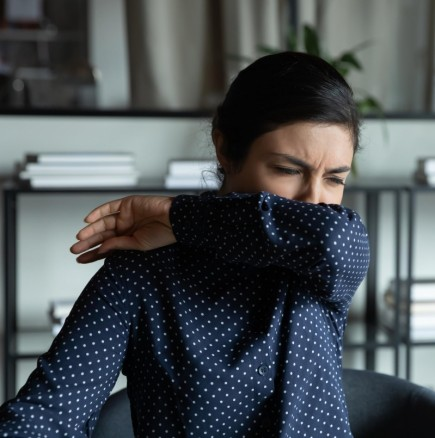 Как ЗАПОЧВА коронавирусът: първите симптоми изобщо не са загуба на миризма или дори кашлица!