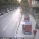 Камера улови мъж да изхвърля кървави дрехи, след като е убил жена - Видео