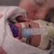Малкият герой, който се роди 15 седмици преди термина, разплака милиони - Видео